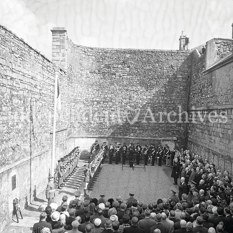 Commemoration at Kilmainham Gaol for the 1916 Easter Rising 50th anniversary in 1966. (Part of the Independent Newspapers Ireland/NLI Collection)