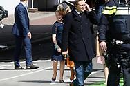 27-04-2017 KONINGSDAG 2017 TILBURG<br /> Even een moeder-dochter moment tussen Koningin Maxima en Prinses Alexia<br /> <br /> Foto: Geert van Erven