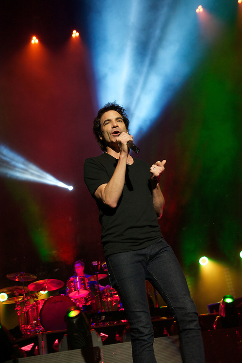 Pat Monahan of Train performs at White River Amphitheater on the last night of the bands Mermaids of Alcatraz tour. Photo by John Lill