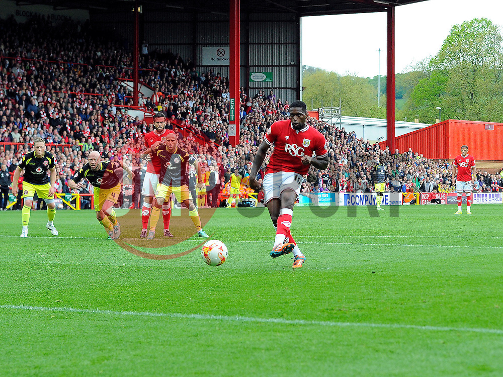 Bristol City's Jay Emmanuel-Thomas scores a penalty  - Photo mandatory by-line: Joe Meredith/JMP - Mobile: 07966 386802 - 03/05/2015 - SPORT - Football - Bristol - Ashton Gate - Bristol City v Walsall - Sky Bet League One