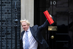 © Licensed to London News Pictures. 05/06/2018. London, UK. Foreign Secretary Boris Johnson leaves 10 Downing Street after the Cabinet meeting. Photo credit: Rob Pinney/LNP