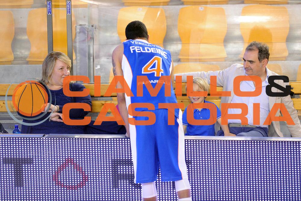 DESCRIZIONE : Roma Lega A 2014-15 <br /> Acea Virtus Roma - Acqua Vitasnella Cantu<br /> GIOCATORE : Anna Cremascoli<br /> CATEGORIA : pre game presidente famiglia<br /> SQUADRA : Acqua Vitasnella Cantu<br /> EVENTO : Campionato Lega A 2014-2015 <br /> GARA : Acea Virtus Roma - Acqua Vitasnella Cantu<br /> DATA : 10/05/2015<br /> SPORT : Pallacanestro <br /> AUTORE : Agenzia Ciamillo-Castoria/N. Dalla Mura<br /> Galleria : Lega Basket A 2014-2015  <br /> Fotonotizia : Roma Lega A 2014-15 Acea Virtus Roma - Acqua Vitasnella Cantu
