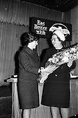 1963 - Prize draw at frozen food seminar for Housewives