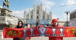 MILAN, ITALY - Tuesday, March 10, 2008: Liverpool fans Ross Mihnev (R) and his sister Vesse in Duomo Square ahead of the UEFA Champions League First knockout round 2nd Leg match against FC Internazionale Milano. (Pic by David Rawcliffe/Propaganda)