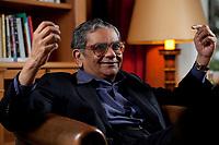 31 MAY 2010, BERLIN/GERMANY:<br /> Jagdish Natwarlal Bhagwati, indischer Oekonom und Professor fuer Politik und Wirtschaft an der Columbia University, waehrend einem Interview, Bibiothek der American Academy<br /> IMAGE: 20100531-02-070<br /> KEYWORDS: Jagdish Bhagwati, Ökonom