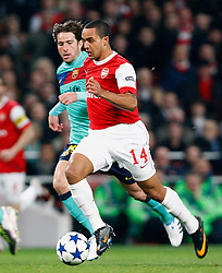 16.02.2011, Emirates Stadium, London, ENG, UEFA CL, FC Arsenal vs FC Barcelona, im Bild Arsenal's Theo Walcott  in Arsenal vs Barcelona for the UCL  ,Round of last 16, at the Emirates Stadium in London on 16/02/2011, EXPA Pictures © 2011, PhotoCredit: EXPA/ IPS/ Kieran Galvin +++++ ATTENTION - OUT OF ENGLAND/GBR and France/ FRA +++++