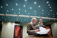 Nederland. Den Haag, 20 september 2007.<br /> Tweede dag algemene politieke beschouwingen in de tweede kamer.<br /> Boris van der Ham in overleg met fractievoorzitter Alexander Pechtold van D66<br /> Foto Martijn Beekman <br /> NIET VOOR TROUW, AD, TELEGRAAF, NRC EN HET PAROOL