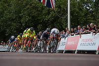 Competitors in the Prudential RideLondon Grand Prix Pro Women&rsquo;s Race racing onto The Mall. Prudential RideLondon is the world&rsquo;s greatest festival of cycling, involving 95,000+ cyclists &ndash; from Olympic champions to a free family fun ride - riding in five events over closed roads in London and Surrey over the weekend of 1st and 2nd August 2015. <br /> <br /> Photo: Thomas Lovelock for Prudential RideLondon<br /> <br /> See www.PrudentialRideLondon.co.uk for more.<br /> <br /> For further information: Penny Dain 07799 170433<br /> pennyd@ridelondon.co.uk