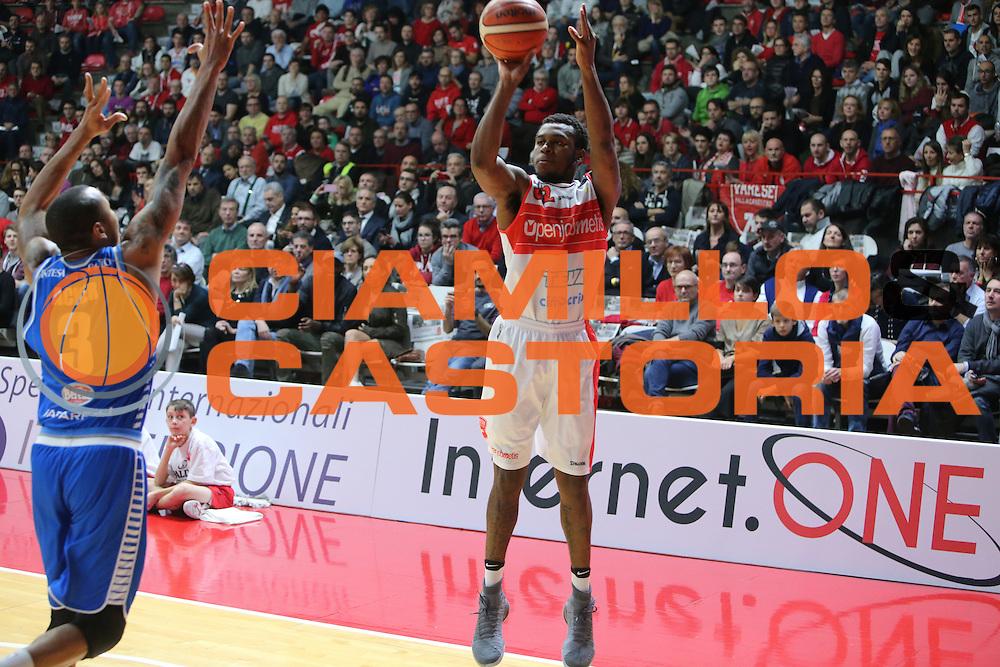 pallacanestro campionato 2016 2017<br /> Pala2a <br /> Varese Openjobmetis vs Cantù red october : 032 MELVIN JOHNSON