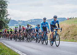 07.07.2019, Wels, AUT, Ö-Tour, Österreich Radrundfahrt, 1. Etappe, von Grieskirchen nach Freistadt (138,8 km), im Bild das Team Movistar Team an der Spitze des Feldes // Movistar Team of Spain leads the peleton during 1st stage from Grieskirchen to Freistadt (138,8 km) of the 2019 Tour of Austria. Wels, Austria on 2019/07/07. EXPA Pictures © 2019, PhotoCredit: EXPA/ Reinhard Eisenbauer