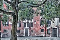 Quiet courtyard, Venice, Italy.