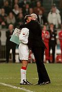 Photo: Gerrit de Heus. Amsterdam. 06/04/99. Ajax-Chairman Michael van Praag(R) embraces Johan Cruijff after the honorary match between Ajax and Barcelona. <br /> Keywords: Cruyff, voorzitter, omhelzing