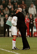 Photo: Gerrit de Heus. Amsterdam. 06/04/99. Ajax-Chairman Michael van Praag(R) embraces Johan Cruijff after the honorary match between Ajax and Barcelona. <br /> Keywords: Cruyff, voorzitter, omhelzing