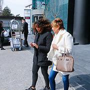 CRO/Zagreb/20130315- K1 WGP Final Zagreb, op de dag van de finale gaat estellle met familie en vrienden winkelen in de stad, dochter Joelle en oma Branca verlaten het hotel