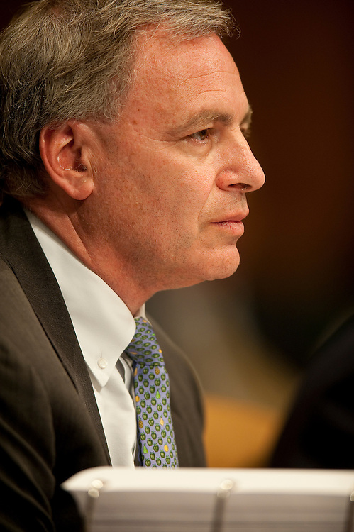 Apr 27,2010 - Washington, District of Columbia USA - .David Viniar, Executive Vice President & Chief Financial Officer of Goldman Sachs, testifies  during Tuesday's hearing before the Senate Homeland Security and Governmental Affairs subcommittee Hearing on Wall Street and the Financial Crisis. (Credit Image: © Pete Marovich Images)