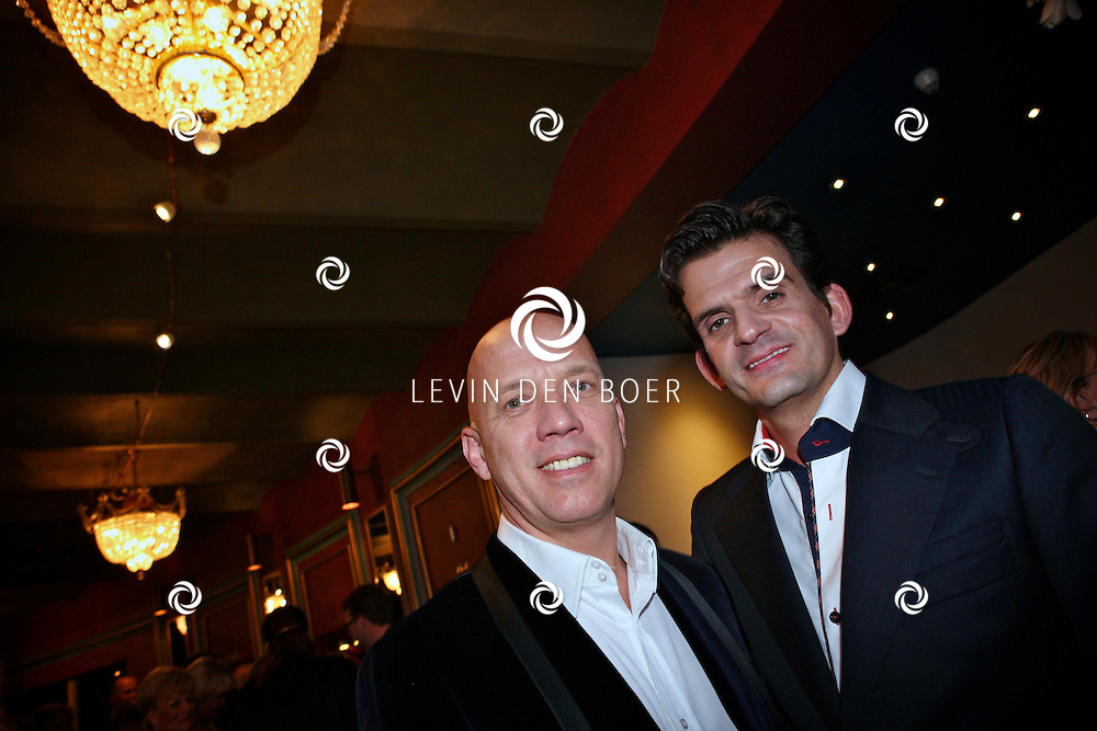 AMSTERDAM - Maurice Wijnen en partner donderdagavond bij aankomst voor de premiere van het WereldKerstCircus in Carre in Amsterdam. FOTO LEVIN DEN BOER - PERSFOTO.NU