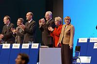 11 NOV 2002, HANNOVER/GERMANY:<br /> Angela Merkel, CDU Bundesvorsitzende, nimmt nach ihrer Rede den Jubel der Delegierten entgegen, Personen v.L.n.R.: Volker Ruehe, Bundesminister a.D., Wlli Hausmann, CDU Bundesgeschaeftsfuehrer, Laurenz Meyer, CDU Generalsekretaer, Juergen Ruettgers, CDU Landesvors. NRW, Annette Schavan, Kultusministerin BAden-Wuerttemb., Merkel, CDU Bundesparteitag, Hannover Messe<br /> IMAGE: 20021111-01-075<br /> KEYWORDS: Parteitag, party congress, speech, Applaus, Jürgen Rüttgers,