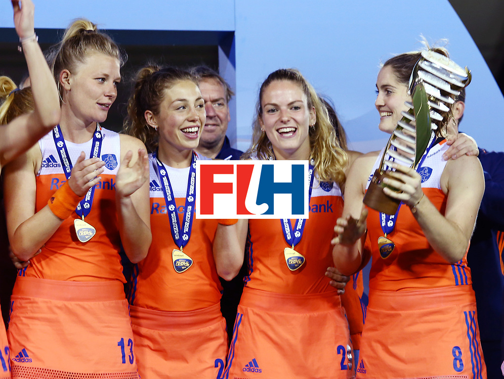 New Zealand, Auckland - 26/11/17  <br /> Sentinel Homes Women&rsquo;s Hockey World League Final<br /> Harbour Hockey Stadium<br /> Copyrigth: Worldsportpics, Rodrigo Jaramillo<br /> Match ID: 10322 - NED vs NZL<br /> Photo: (13) van MAASAKKER Caia, (29) KREKELAAR Maartje,\\(8) KEETELS Marloes&nbsp;(C)