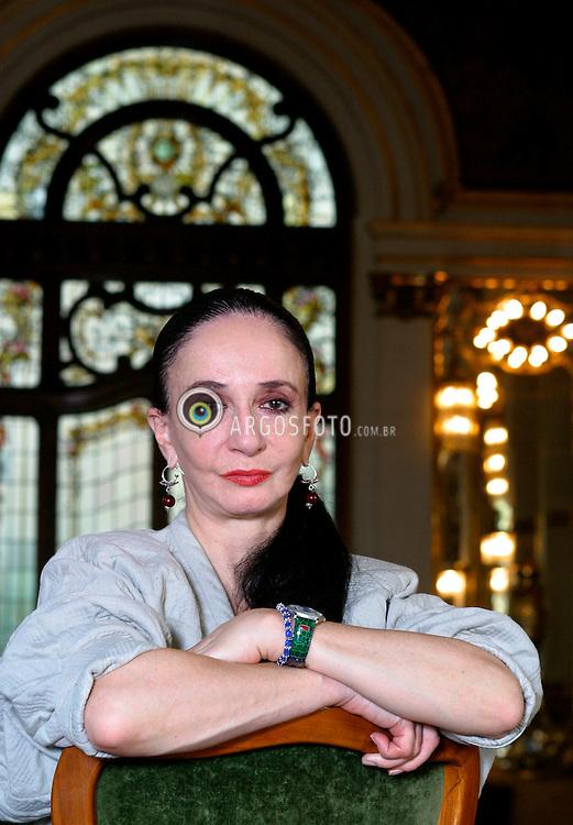 Sao Paulo, SP,      23/06/03.A bailarina Marcia Haydee, no Teatro Municipal de SP./ The Ballet dancer Marcia Haydee, in Municipal Theatre in Sao Paulo..Foto Marcos Issa/Argosfoto
