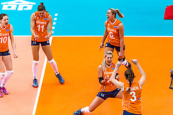15-10-2018 JPN: World Championship Volleyball Women day 16, Nagoya<br /> Netherlands - USA 3-2 / Lonneke Sloetjes #10 of Netherlands, Anne Buijs #11 of Netherlands, Maret Balkestein-Grothues #6 of Netherlands, Laura Dijkema #14 of Netherlands, Yvon Belien #3 of Netherlands