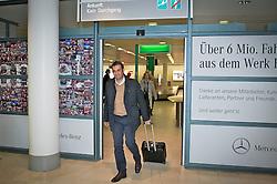 28.05.2013, Flughafen Bremen, Bremen, GER, 1.FBL, Ankunft von Robin Dutt (Cheftrainer SV Werder Bremen), im Bild Robin Dutt (Cheftrainer SV Werder Bremen) mit Rollkoffer als Bordgepaeck beim Verlassen des Sicherheitsbereiches // during the arrival of Robin Dutt (head coach SV Werder Bremen) of the German Bundesliga Club SV Werder Bremen at the Airport Bremen, Bremen, Germany on 2013/05/28. EXPA Pictures © 2013 PhotoCredit: EXPA/ Andreas Gumz