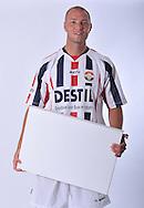 05-07-2009: Voetbal:Studioportretten Willem II<br /> Danny Schenkel<br /> LET OP! Exclusief voor Willem II of in overleg met Pix4Profs<br /> Foto: Geert van Erven