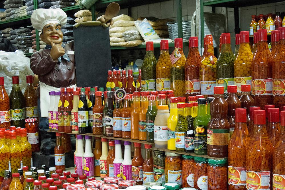 Garrafas de pimenta no mercado municipal de Campinas //  Lot's of kinds off pepper at Campinas Municipal Market. Brazil 2011