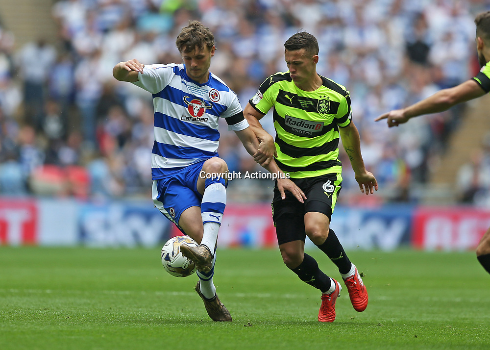 May 29th 2017, Wembley Stadium, London, England; EFL Championship playoff final, Jonathan Hogg of Huddersfield Town challenges John Swift of Reading