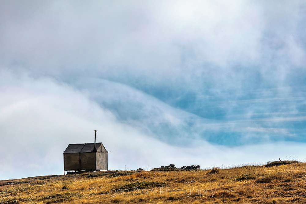 A refuge on Ambaritsa peak