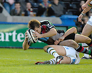 Twickenham. GREAT BRITAIN, Quins, Adrian JARVIS, scoring a second half try, during the, Guinness Premiership game between, NEC Harlequins and Northamption Saints, on Sat., 04/11/2006, played at the Twickenham Stoop, England. Photo, Peter Spurrier/Intersport-images].....