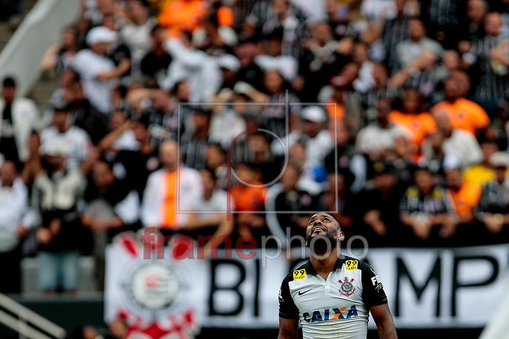 Vágner Love, durante jogo entre, Corinthians x Flamengo, nesta tarde de domingo 25/10/2015. Jogo realizado no estádio do Corinthians em Itaquera, São Paulo SP Brasil, jogo válido pela 32ª rodada. Foto: Leandro Martins/FramePhoto