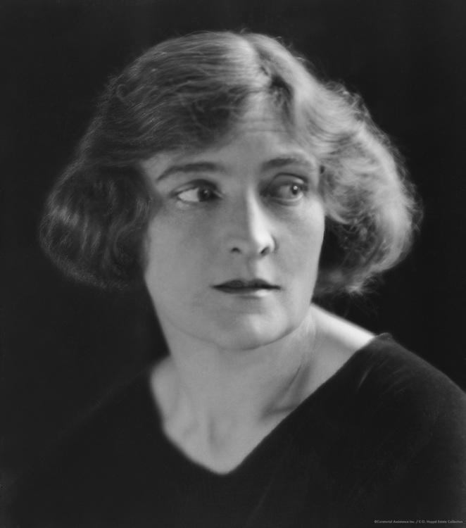 Sybil Thorndike, actress, 1922