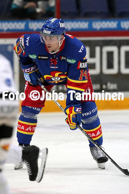 23.10.2012, Hartwall Areena, Helsinki..J??kiekon SM-liiga 2012-13. Jokerit - JYP..Tomi M?ki - Jokerit