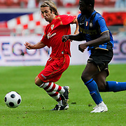 NLD/Amsterdam/20080808 - LG Tournament 2008 Amsterdam, FC Internazionale v Sevilla FC, in duel met Muntari