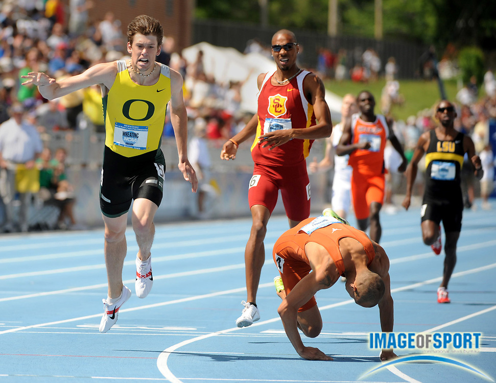 Jun 14, 2008; Des Moines, IA; Jacob Hernandez of Texas, right, outleans Andrew Wheating of Oregon to win the 800m, 1:45.31 to 1:45.32, in the NCAA Track & Field Championships at Drake Stadium. Duane Solomon of Southern California, center, was third in 1:45.71.