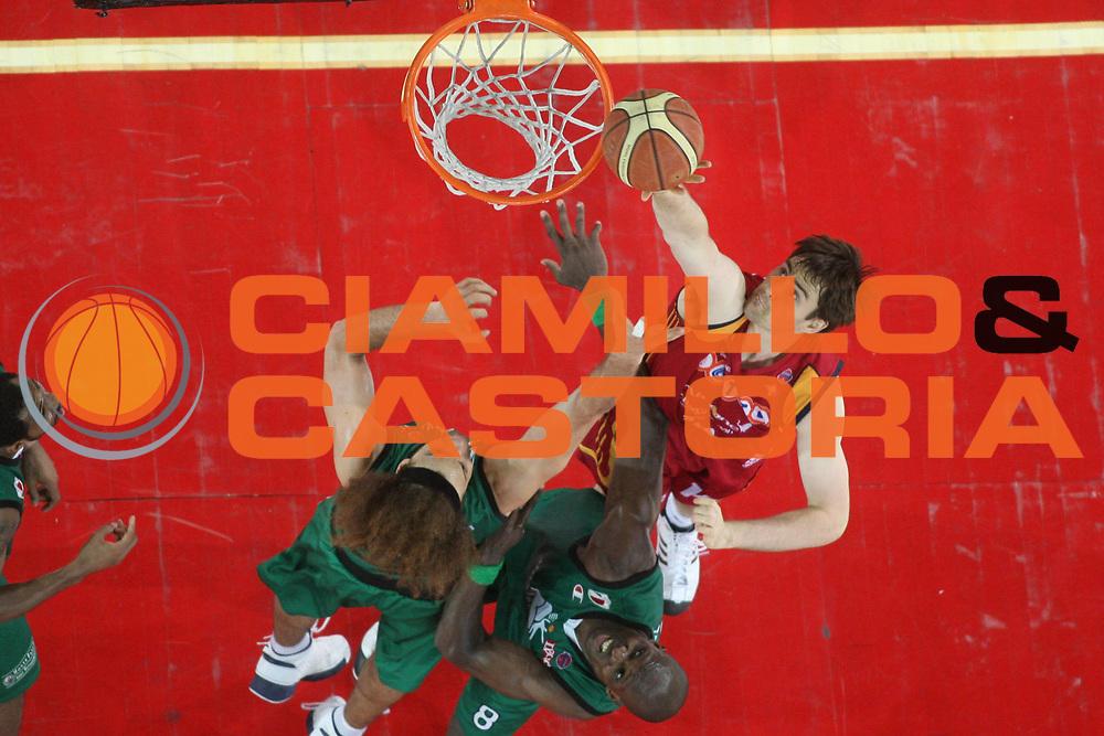 DESCRIZIONE : Roma Lega A1 2007-08 Playoff Finale Gara 4 Lottomatica Virtus Roma Montepaschi Siena <br /> GIOCATORE : Erazem Lorbek <br /> SQUADRA : Lottomatica Virtus Roma<br /> EVENTO : Campionato Lega A1 2007-2008 <br /> GARA : Lottomatica Virtus Roma Montepaschi Siena<br /> DATA : 10/06/2008 <br /> CATEGORIA : Special Super Tiro<br /> SPORT : Pallacanestro <br /> AUTORE : Agenzia Ciamillo-Castoria/M.Marchi<br /> Galleria : Lega Basket A1 2007-2008 <br /> Fotonotizia : Roma Campionato Italiano Lega A1 2007-2008 Playoff Finale Gara 4 Lottomatica Virtus Roma Montepaschi Siena<br /> Predefinita :