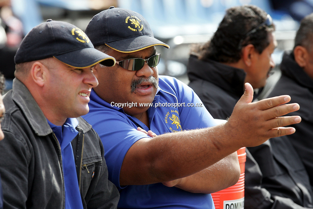 Otahuhu/Elerslie coach Noora Samuela in a sideline discussion during the Barter Card Cup Rugby League game between Mt Albert and Otahuhu/Ellerslie at Ericsson Stadium, Auckland on Sunday 1 May, 2005. Photo: Andrew Cornaga/PHOTOSPORT<br /><br /><br />122518