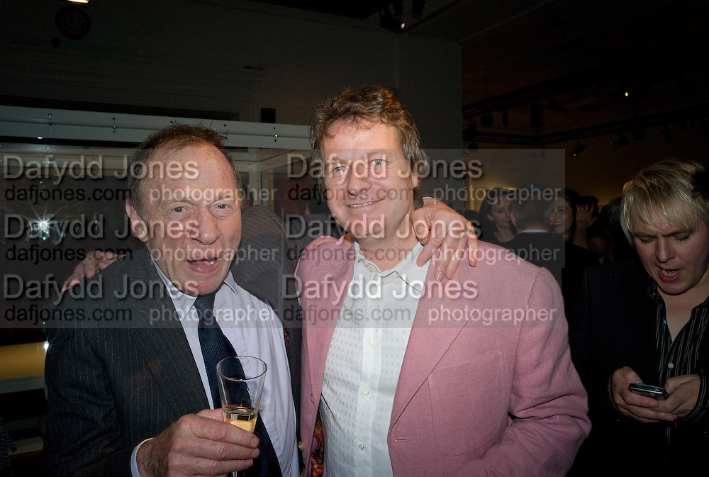 ANTONY HADEN-GUEST; DANNY MOYNIHAN, Damien Hirst party to preview his exhibition at Sotheby's. New Bond St. London. 12 September 2008 *** Local Caption *** -DO NOT ARCHIVE-© Copyright Photograph by Dafydd Jones. 248 Clapham Rd. London SW9 0PZ. Tel 0207 820 0771. www.dafjones.com.