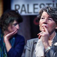 Nederland, Amsterdam , 26 juni 2014.<br /> Debat in de stad in de Balie met als thema: Palestijnse kinderen en militaire detentie.<br /> Gate48 en Palestine Link organiseren in samenwerking met De Balie een debat over het nieuwe rapport'Palestijnse kinderen en militaire detentie'van een Nederlandse multidisciplinaireexpertgroep. Panelleden zijn Han ten Broeke (VVD), Michiel Servaes (PvdA),Sjoerd Sjoerdsma (D66), Prof. Jaap E. Doek, Prof. Karin Arts en Prof. Peter van der Laan.<br /> Op de foto debatleidster: ??<br /> <br /> Foto:Jean-Pierre Jans