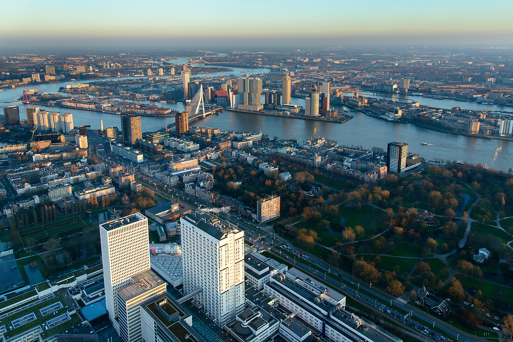Nederland, Zuid-Holland, Rotterdam, 07-02-2018; centrum Rotterdam met Erasmus MC Dijkzigt. Nieuwe Maas met zicht op Kop van Zuid, Noordereiland, Erasmusbrug.<br /> City centre Rotterdam Erasmus medical centre.<br /> <br /> luchtfoto (toeslag op standard tarieven);<br /> aerial photo (additional fee required);<br /> copyright foto/photo Siebe Swart