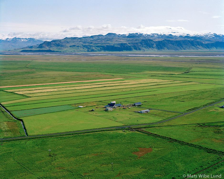 Hólmahjáleiga séð til norðausturs, Rangárþing eystra áður Austur-Landeyjahreppur / Holmahjaleiga viewing northeast, Rangarthing eystra former Austur-Landeyjahreppur.