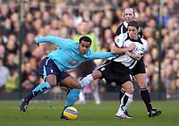 Photo: Olly Greenwood.<br />Fulham v Tottenham Hotspur. The Barclays Premiership. 20/01/2007. Tottenham's Tom Huddlestone and Fulham's Moritz Volz