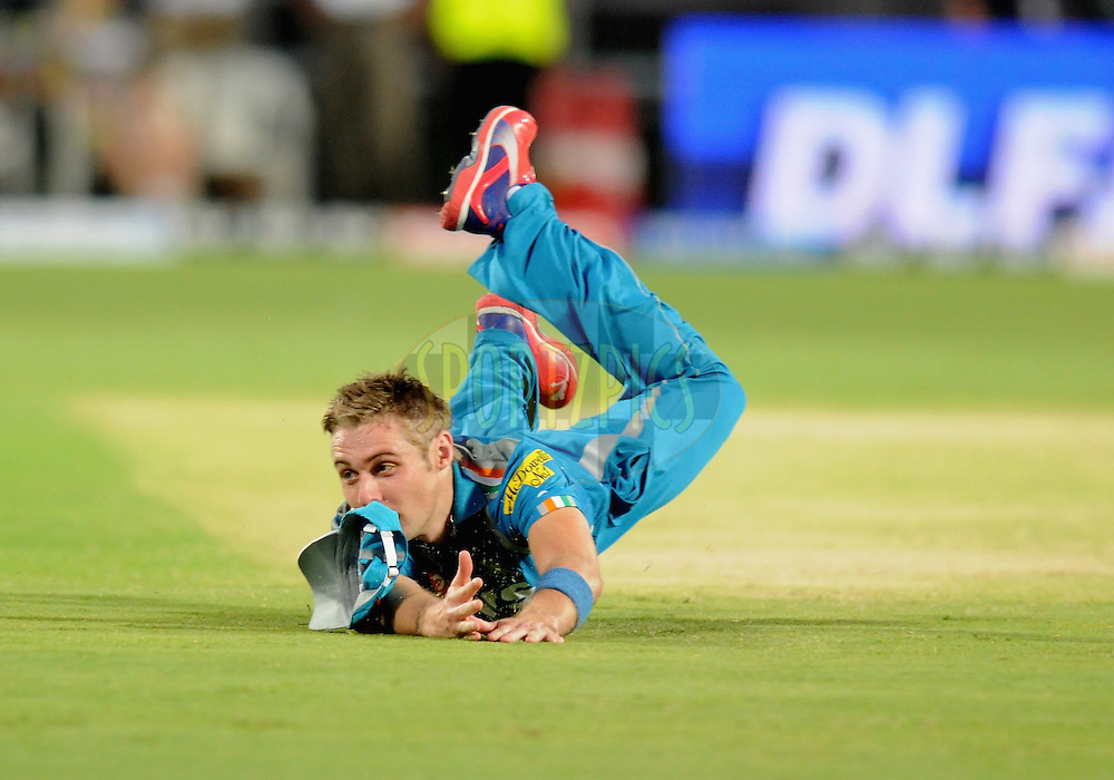 Luke Wright of Pune Warriors India tries to take a catch during match 31 of the Indian Premier League ( IPL) 2012  between The Pune Warriors India and the Delhi Daredevils held at the Subrata Roy Sahara Stadium, Pune on the 24th April 2012..Photo by Pal Pillai/IPL/SPORTZPICS