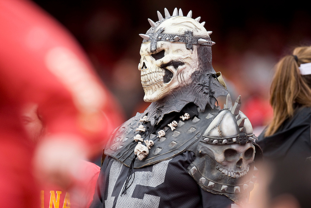 KANSAS CITY, MO - SEPTEMBER 14:   Oakland Raiders fan during a game against the Kansas City Chiefs at Arrowhead Stadium on September 14, 2008 in Kansas City, Missouri.  The Raiders defeated the Chiefs 23-8.  (Photo by Wesley Hitt/Getty Images) *** Local Caption ***