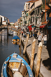 THEMENBILD - Kanalansicht mit venezianischen Häusern und Booten, aufgenommen am 04. Oktober 2019 in Venedig, Italien // Canal view with Venetian houses and boats in Venice, Italy on 2019/10/04. EXPA Pictures © 2019, PhotoCredit: EXPA/ JFK