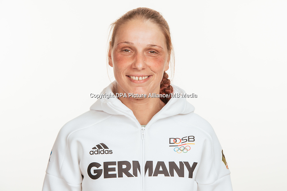 Britta Lienhardt poses at a photocall during the preparations for the Olympic Games in Rio at the Emmich Cambrai Barracks in Hanover, Germany, taken on 18/07/16 | usage worldwide