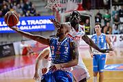 DESCRIZIONE : Varese Lega A 2015-16 Openjobmetis Varese Dinamo Banco di Sardegna Sassari<br /> GIOCATORE : David Logan<br /> CATEGORIA : Tiro<br /> SQUADRA : Dinamo Banco di Sardegna Sassari<br /> EVENTO : Campionato Lega A 2015-2016<br /> GARA : Openjobmetis Varese - Dinamo Banco di Sardegna Sassari<br /> DATA : 27/10/2015<br /> SPORT : Pallacanestro<br /> AUTORE : Agenzia Ciamillo-Castoria/M.Ozbot<br /> Galleria : Lega Basket A 2015-2016 <br /> Fotonotizia: Varese Lega A 2015-16 Openjobmetis Varese - Dinamo Banco di Sardegna Sassari