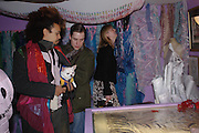 David Kappa ( Tula) and Tristram Webber. Zandra Rhodes- A Lifelong Affair with textiles.-Zandra Rhodes retrospective exhibition. Fashion and Textile museum. 1 February 2005. ONE TIME USE ONLY - DO NOT ARCHIVE  © Copyright Photograph by Dafydd Jones 66 Stockwell Park Rd. London SW9 0DA Tel 020 7733 0108 www.dafjones.com