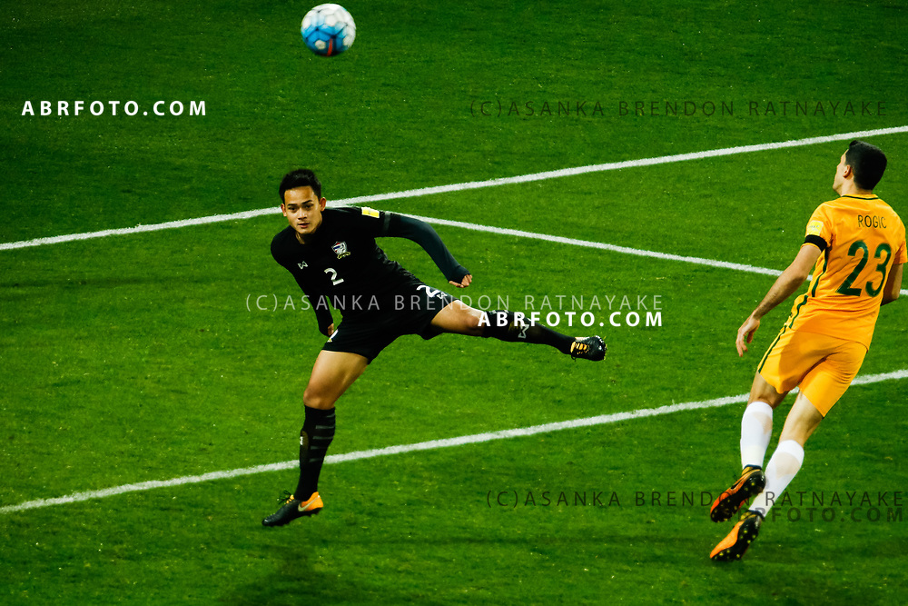 MELBOURNE, AUSTRALIA - SEPTEMBER 5 : Peerapat Notechaiya of Thailand heads the ball away during the Stage 3 Group World Cup Football Qualifiers between Australia Vs Thailand at the Melbourne Rectangular Stadium, Melbourne, Australia 5 September 2017.