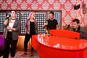 Opening vasn het Holland Zingt Hazes Backstage Café in de Ziggo Dome Amsterdam. In aanloop naar de vier concerten van Holland Zingt Hazes op 15, 16, 22 en 23 maart kon het aanwezige publiek vandaag hun hart ophalen aan de muziek van André Hazes.<br /> <br /> Op de foto:  Roxeanne Hazes, Jeroen van der Boom, Danny de Munk en Samantha Steenwijk